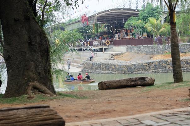 ah-poong-oktober-7 Family Getaway: Ah Poong Sentul